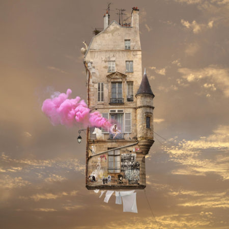 Zeynep represents flying houses pink