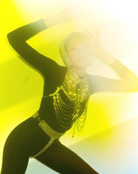 Zeynep represents mathea pour schon magazine